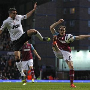 West Ham check Man Uniteds title charge