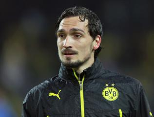 Manchester United target Hummels to accept 38m summer switch