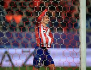 Manchester United target Griezmann happy in Madrid but 'will see' on future