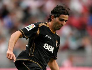 Villa agree Crespo deal