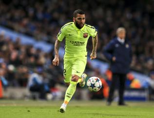 Transfer watch: Dani Alves on his way to Man United?
