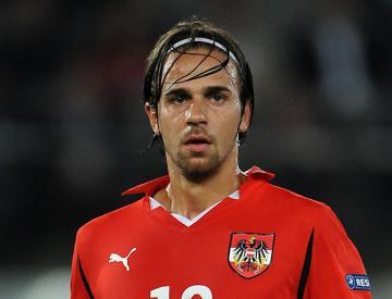 Martin Harnik scores twice as Austria book their Euro 2016 place