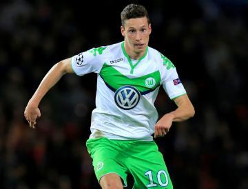 Paris St Germain sign Germany midfielder Julian Draxler from Wolfsburg