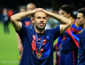 Javier Mascherano commits to Barcelona as Andre Gomes arrives