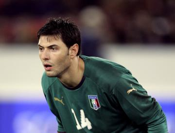 Chelsea sign goalkeeper Marco Amelia as cover for Asmir Begovic