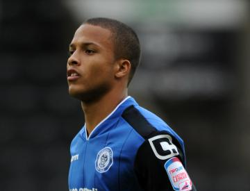 Rochdale midfielder Joe Thompson announces he has beaten cancer for second time