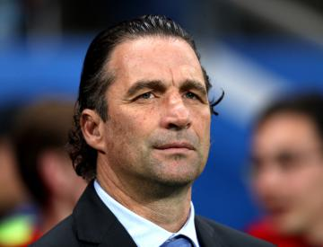 Juan Antonio Pizzi to step down as Chile coach after World Cup woe