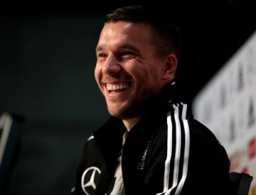 Hero's farewell for Germany's Lukas Podolski in Dortmund