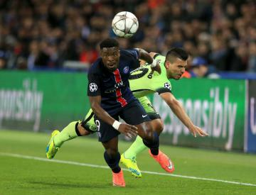Defending champions close on leaders after brushing aside Rennes