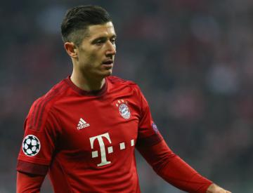 Robert Lewandowski nets hat-trick as Bayern hit Werder Bremen for six in opener