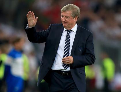 Hodgson embraces England pressure