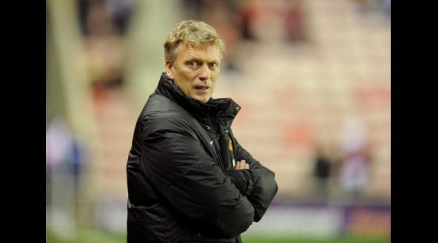 Latest United defeat piles pressure on Moyes as he accuses referees
