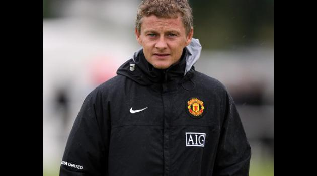 Solskjaer in talks with Villa over managers job