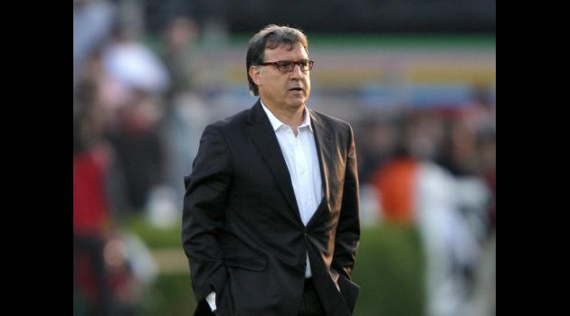 Martino attempts to please at Barca