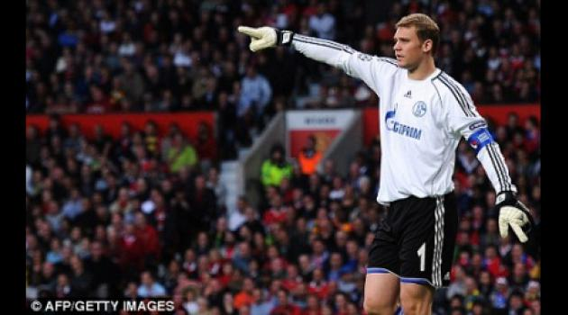 Manchester United blow as Manuel Neuer set to join Bayern for 22m