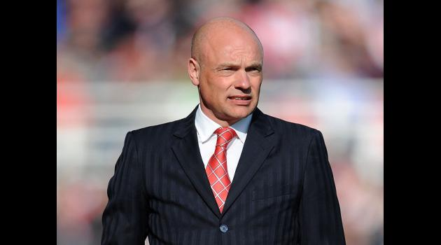 Rosler rounds on referee