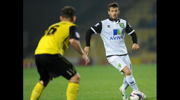 Hughton keen to keep Hoolahan