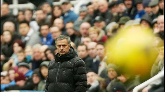 'Angry' Mourinho set to pursue new Chelsea striker in January