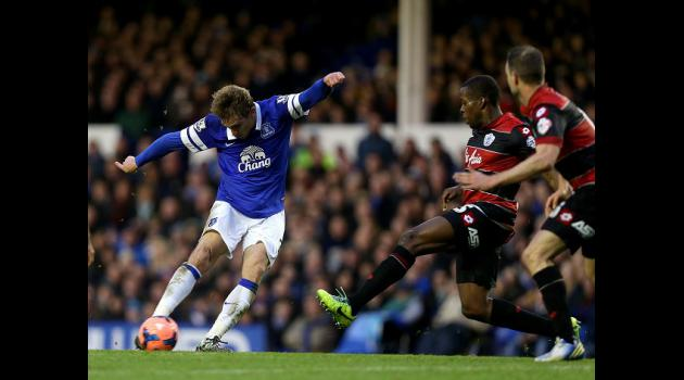 Martinez keen to keep Jelavic
