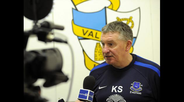 Everton youth coach Sheedy hits out at Moyes