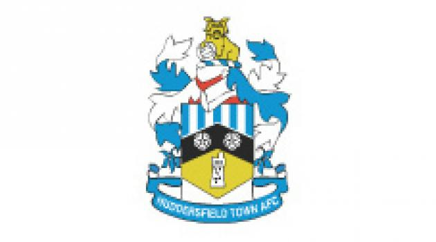 Huddersfield sign Forest's Garner