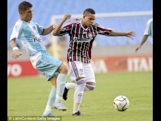 Arsenal face tug of war to take 3.5m Brazil teen Wellington from Fluminense