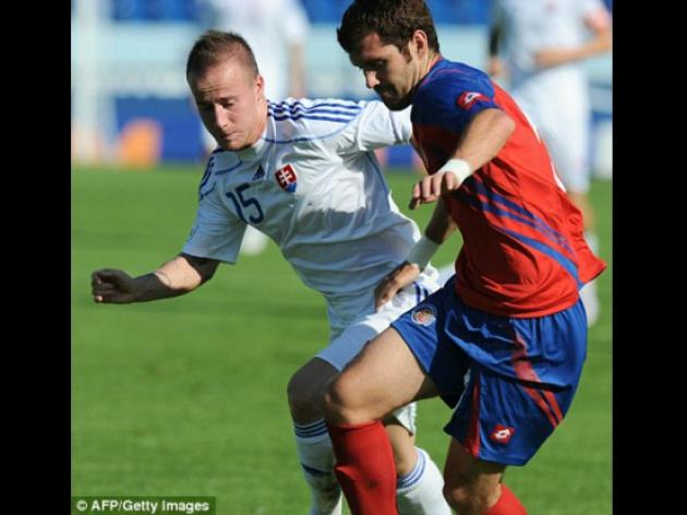 Chelsea's Slovakia winger Miroslav Stoch joins Fenerbahce in 2.5m deal