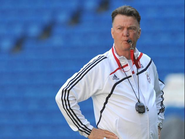 Van Gaal eyes top team in England