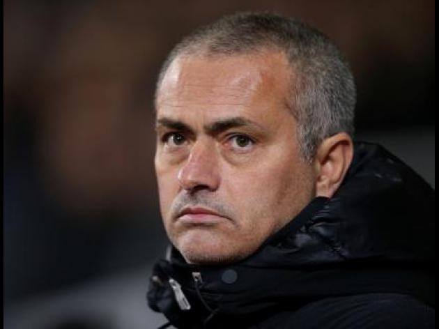 Mourinho feels the heat ahead of Arsenal crunch