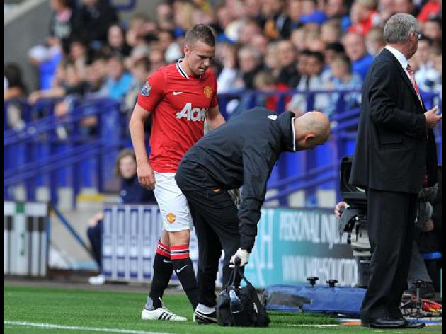 Cleverley ruled out for four weeks