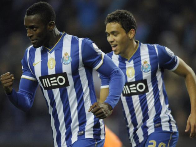 Hopes fade for Cha Cha Cha in Arsenal attack as target Jackson Martinez set to sign new deal