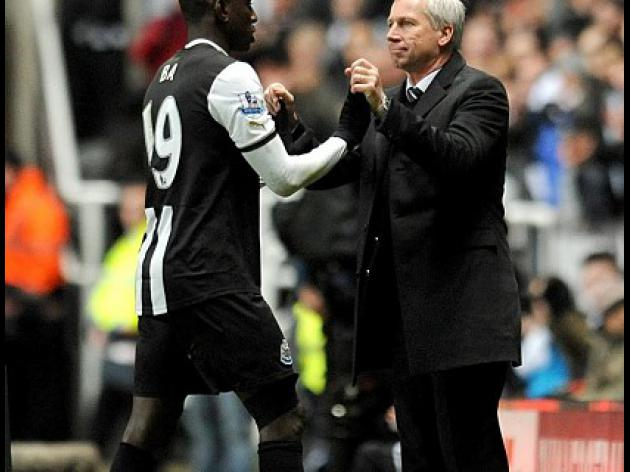 Pardew calm over Ba speculation