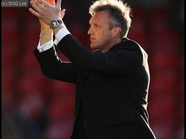 Davis backs young Crewe side to win at Wembley