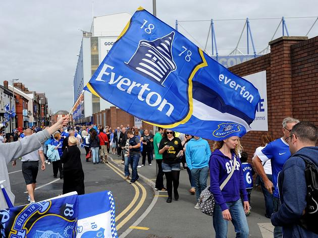 Everton launch crest consultation