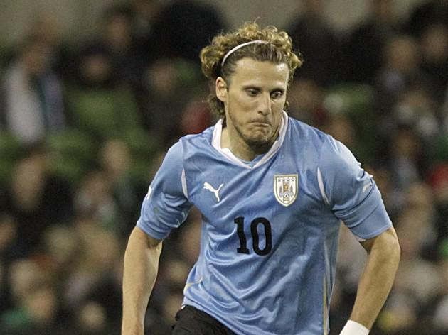 Forlan strike seals Uruguay win