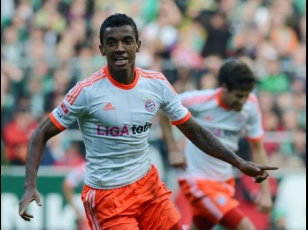 Top 10 Goals Of September 2012: 6 - Luis Gustavo