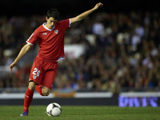 Liverpool set to sign Sevilla striker Luis Alberto after agreeing fee