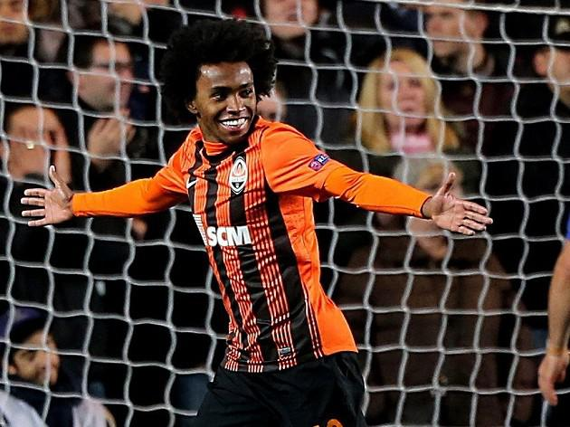 Mourinho: Willian has chosen Chelsea