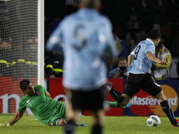 Peru 0 Uruguay 2: Villa target Vargas sees red as Liverpool striker Suarez books final spot