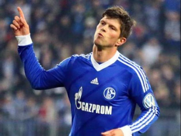 Arsenal linked with Klass Jan Huntelaar