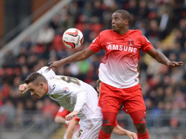 Kevin Lisbie is after Orient pal David Mooney's fans' player crown