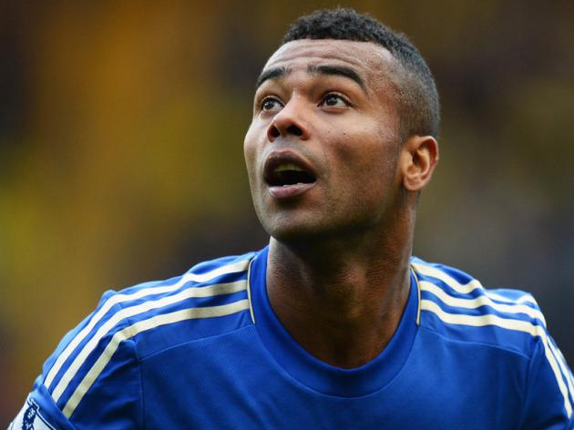 Ashley Cole Set To Sign New Chelsea Deal