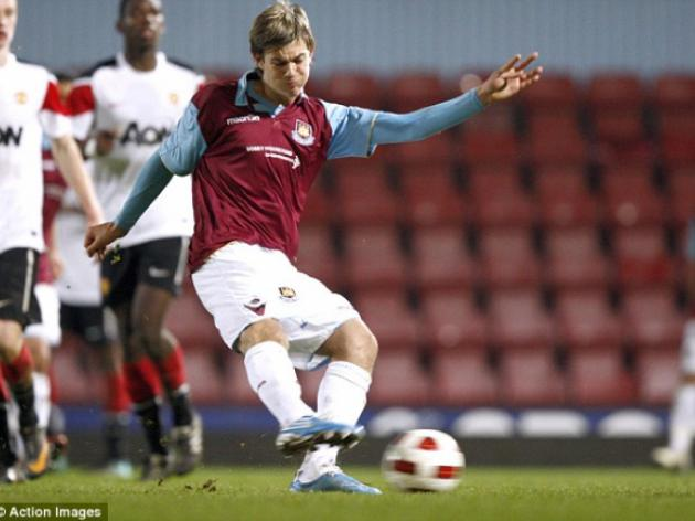 Dylan Tombides treated for testicular cancer
