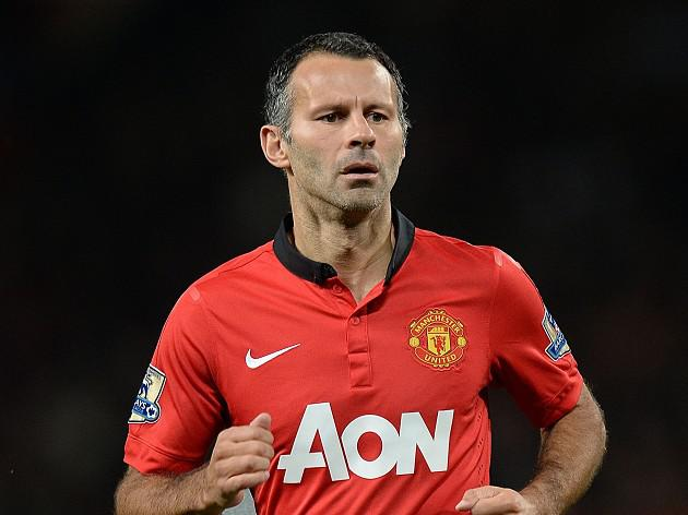 Scholes backs Giggs to continue