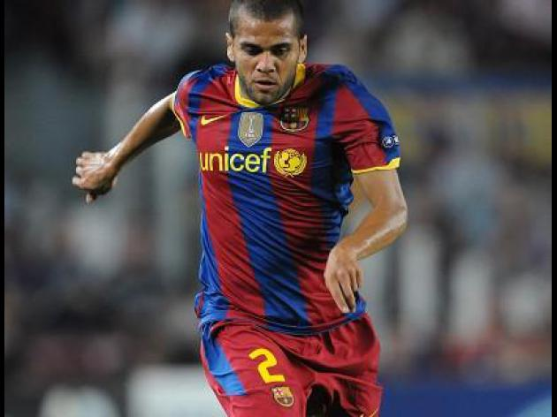 Man City chase Barca defender Alves