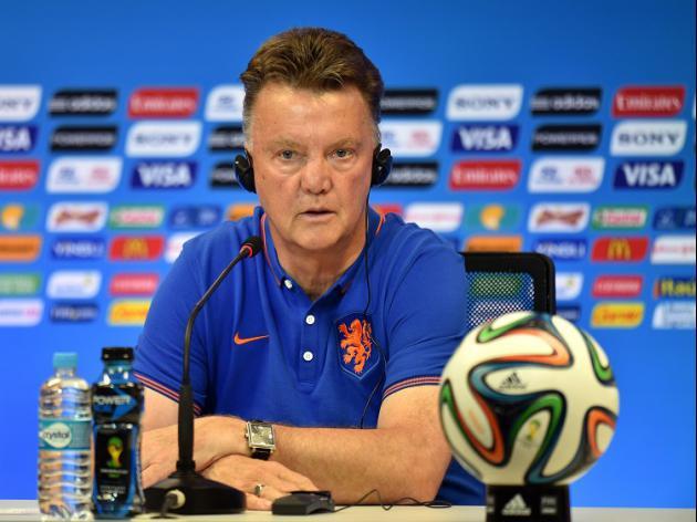 Van Gaal reignites Scolari feud