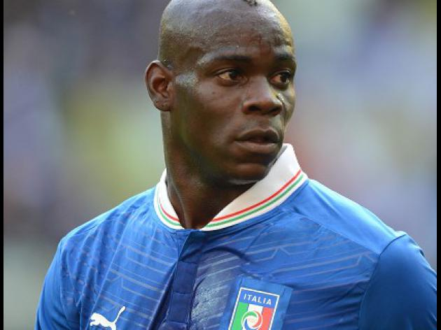 Mancini: Balotelli should face England