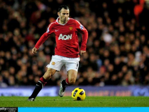 Ryan Giggs keen to sign new deal at Manchester United