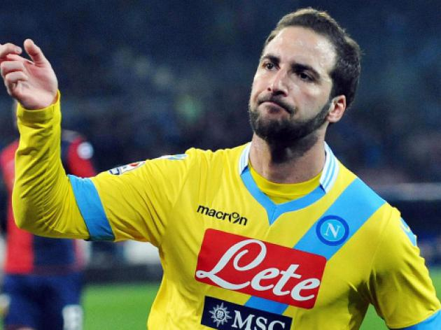 Higuain, Inler rescue Napoli from battling Swans