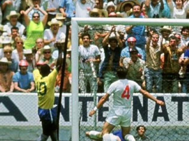 England v Brazil classics -  Banks saves from Pele